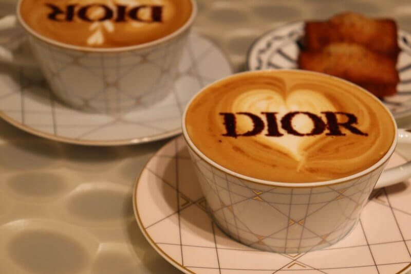 Diorカフェラテ