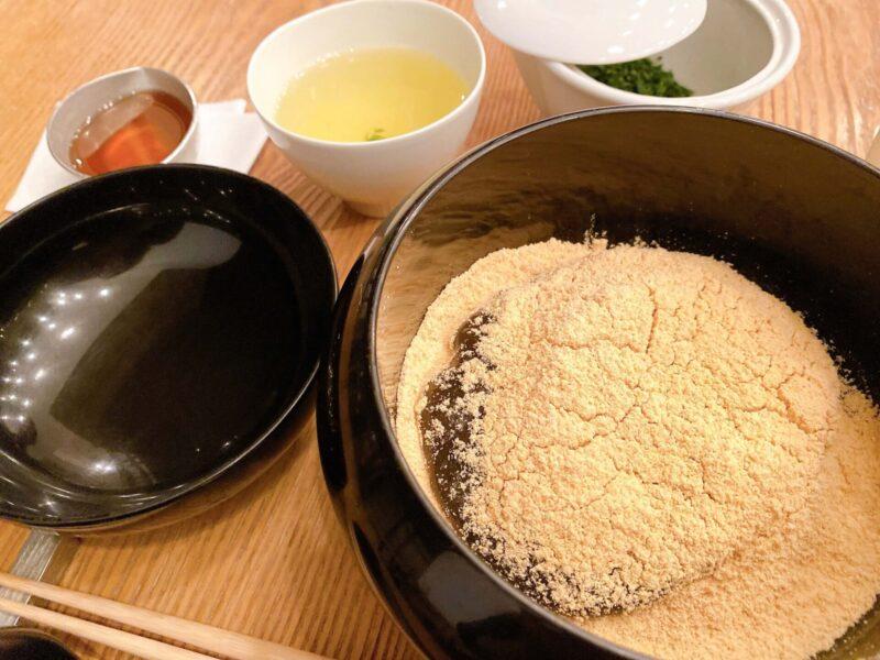 ヒガシヤギンザ・わらび餅