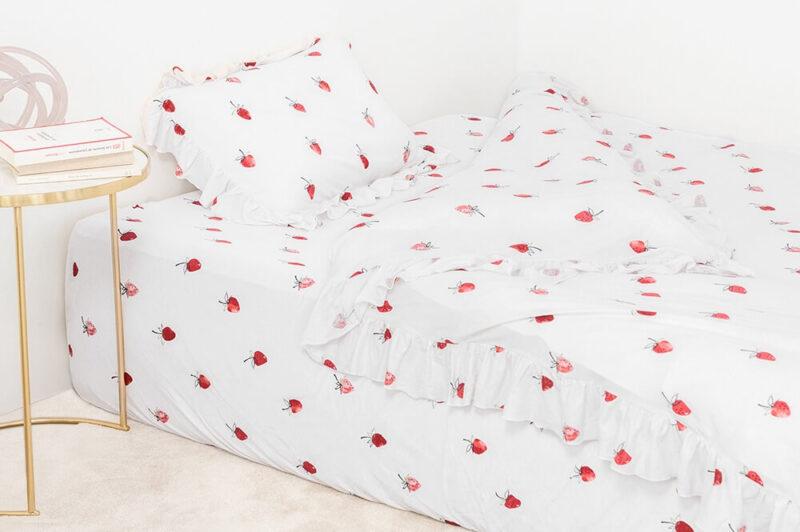 ジェラート ピケ スリープ|ストロベリー柄の寝具