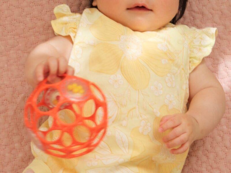 【ベビーおもちゃ|オーボール】生後3ヶ月の赤ちゃんも楽しめる!人気の鉄板おもちゃ